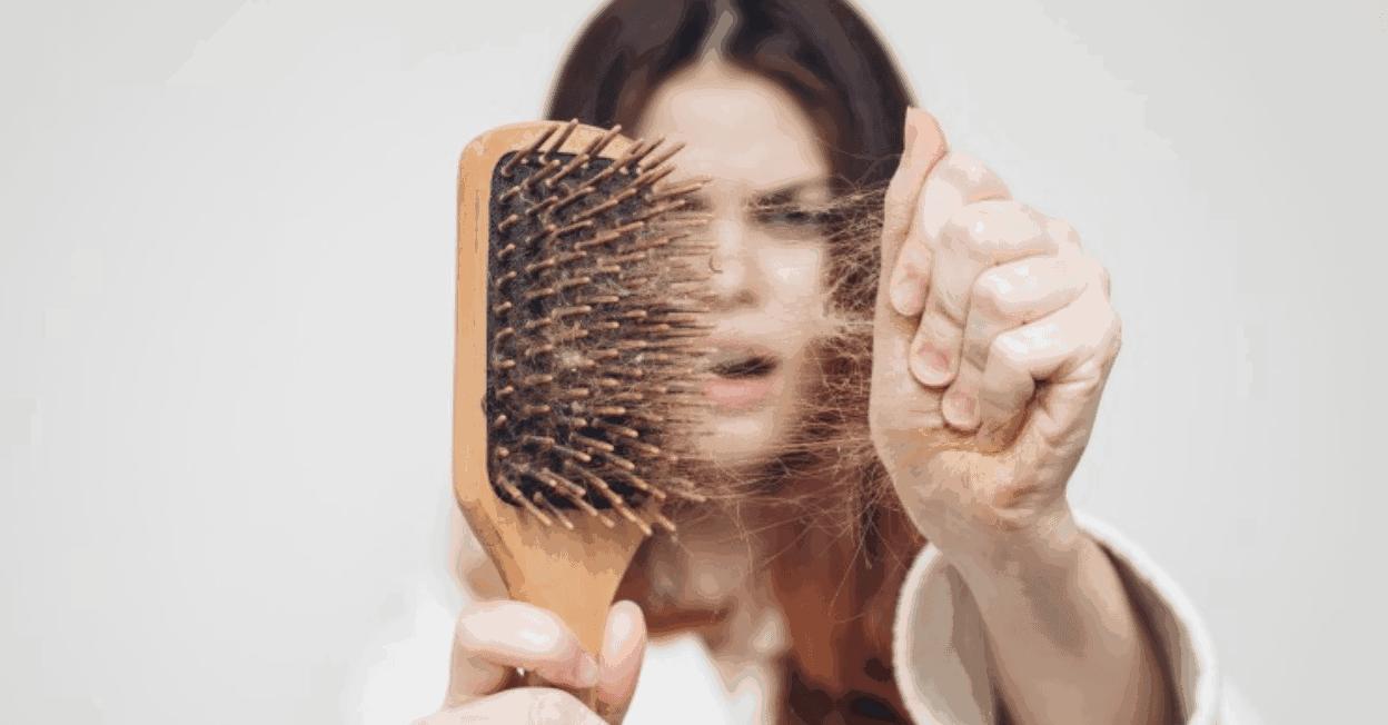 عادات يومية للتخفيف من تساقط الشعر | مجلة سيدات الامارات